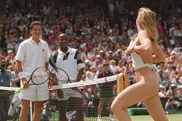 Streaker during the Wimbledon 1996 final