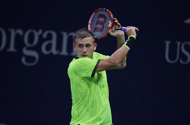 Dan Evans defeats Alexande Zverev in the second round of the 2016 US Open