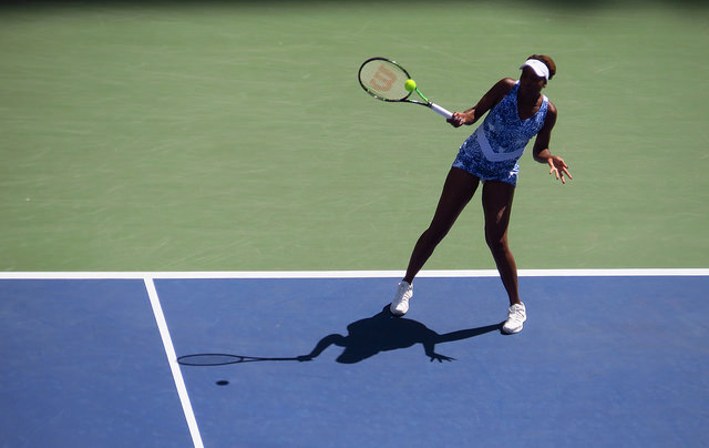 2015 US Open R4: Venus Williams defeats Anett Kontaveit