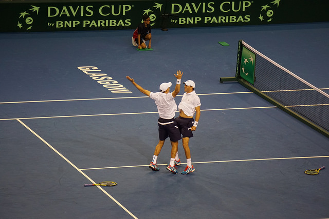 Davis Cup 2015 R1: Bryans keep US hopes alive